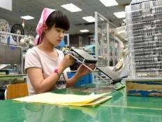 电子厂大量招收假期工是为什么?
