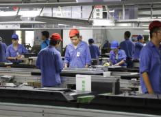 小时工工资高,老员工不满接连辞职,工人招人难老板却不在乎