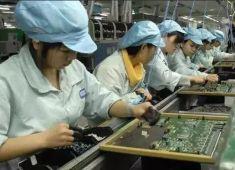 郑州富士康的工友表示,冬天喜欢上夜班